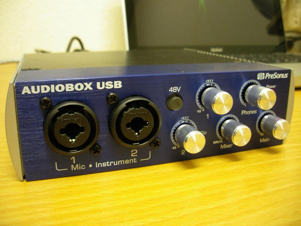 オーディオインターフェースAUDIOBOX USB